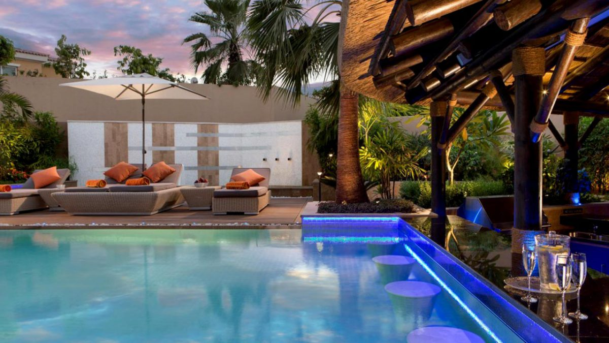 Thatched gazebo with swim-up poolbar