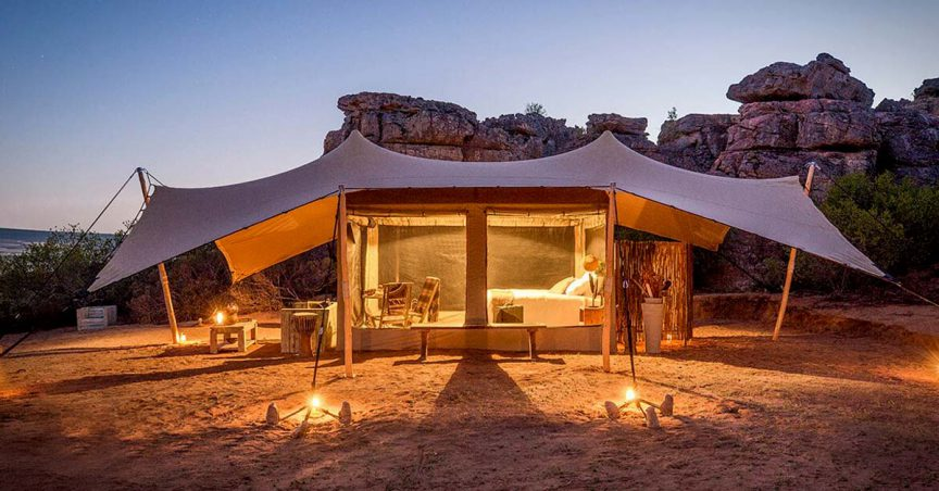 Be Lounge canvas stretch tent with timber screen and substructure