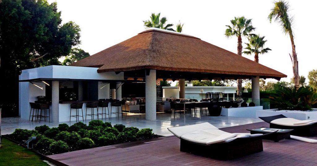 Cape Reed thatched gazebo with entertainment area and outdoor kitchen