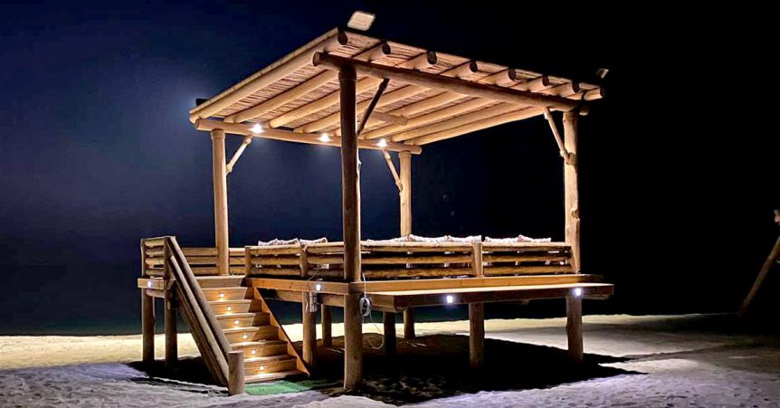 Elevated timber daybed manama