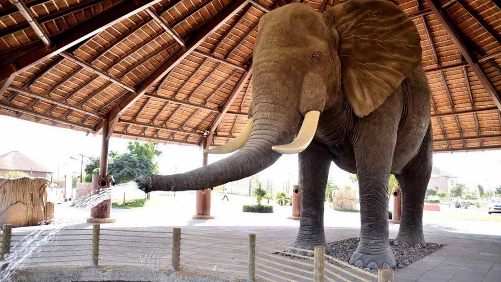 Dubai Safari thatched entrance to the safari area