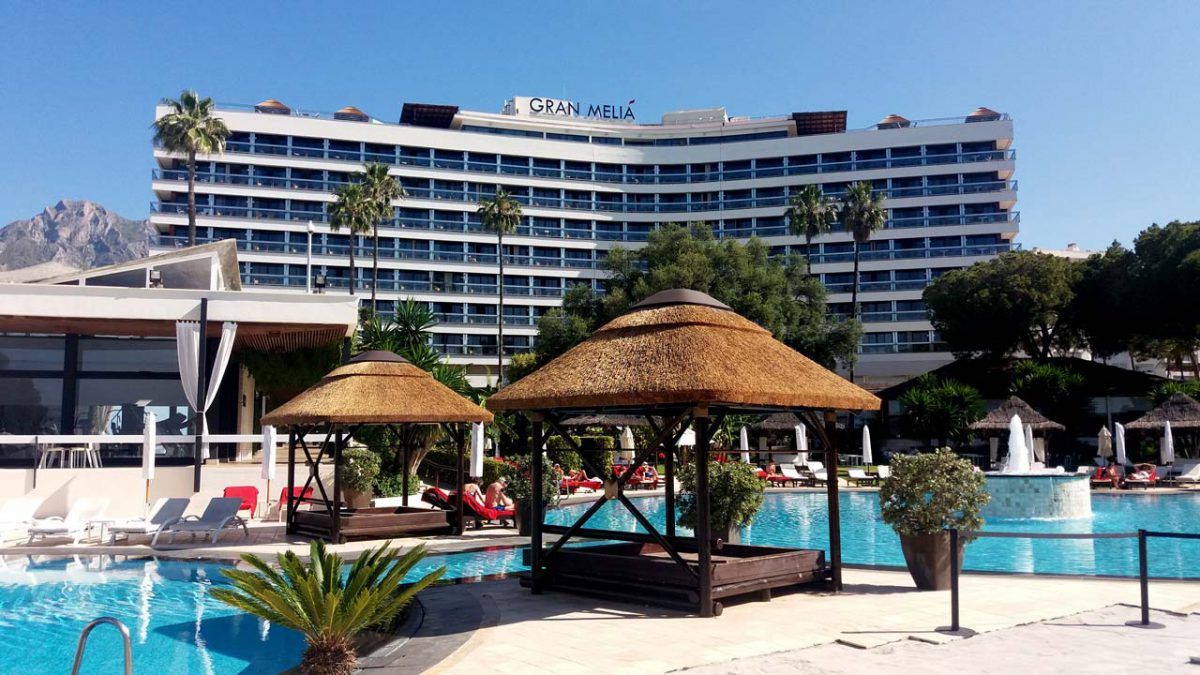 Gran Melia Don Pepe thatched poolside daybeds