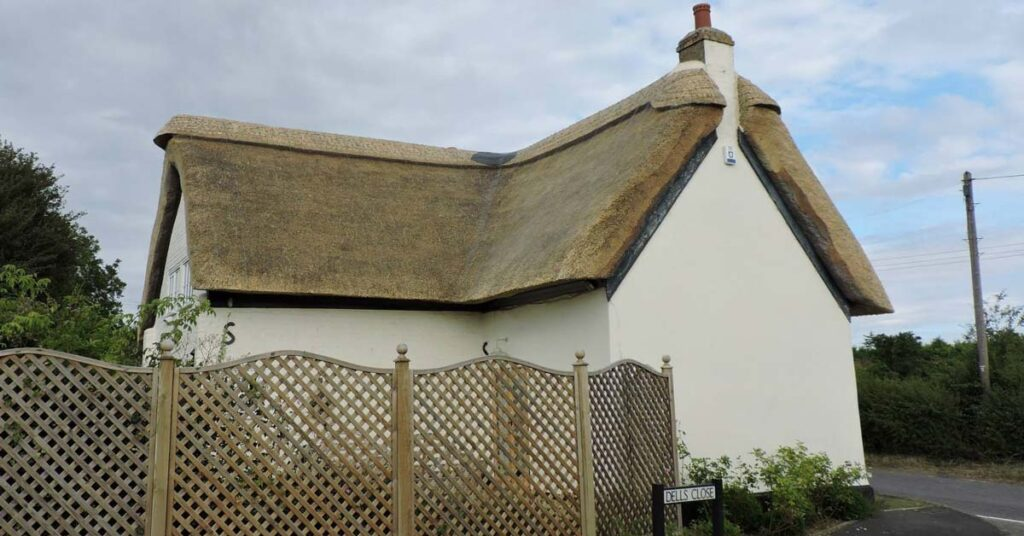 Combed wheat reed thatched roof